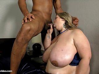 Mandy Majestic Fucks Her First Big Black Cock