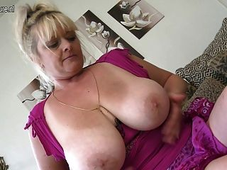Big mature boobs wet mom