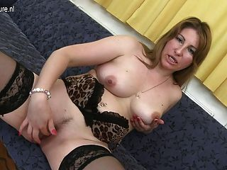Horny Milf Playing With Her Wet Cunt