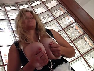Busty Sima Exposes Her Heavy Melons