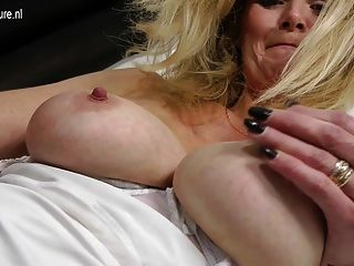 Perfect Blonde Milf Getting Wet And Dirty