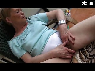 Old Mom Masturbation Experience