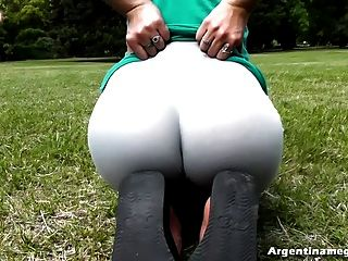 Best Round Ass And Cameltoe Teen, Eating That Thong Alive!