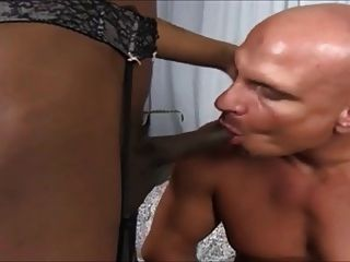 Sucking A Nice Long  Tasty Tranny Cock And Ass