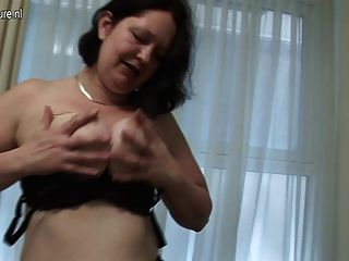 Big Mama Playing With Her Old Wet Pussy