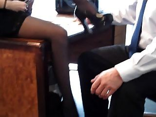 Pantyhose Footjob 1