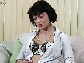 Kinky British Mom Dreaming Of Hard Cock