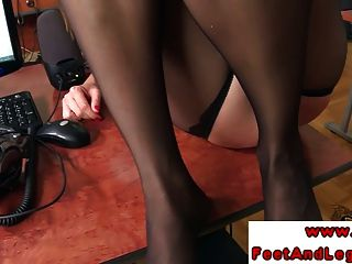 Lindsey Olsen Blond Assistant Using Feet To Tug