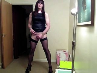 Leather Girl Wanking