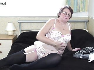 Very hory anal grannies for one