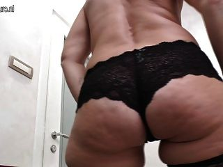 Mature Slut Mom With Hungry Ass And Vagina