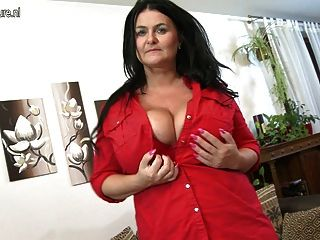 mature natural tits