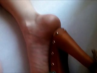 Ny Sexy British Wife In Holiday Mule Heels