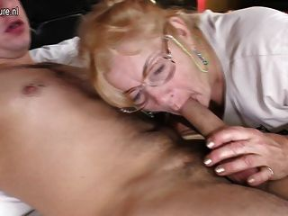 Free busty blondes fingering video
