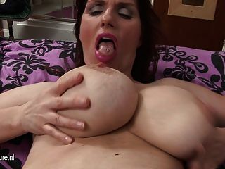 Gorgeous Big Brested Amateur Mom Masturbate Alone