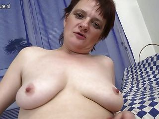 Amateur Old Mother Still Loves To Masturbate