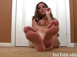 Sexiest feet adn toe ever seen