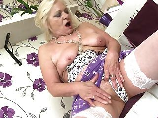 Amazing Old Grandma With Hungry Cunt
