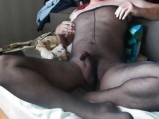 Feeling Good In Pantyhose