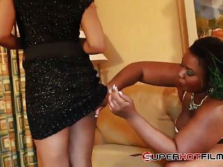 image Poizon ivy finds a yung slut to play with