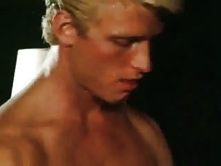 Blondes Do It Best 2