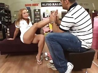 Upskirt pussy flashing in shoe store