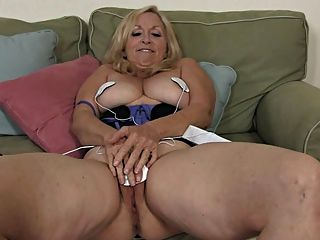 My Lovely Grannies 04 4masturbation With Electric Stuff)