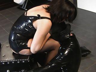 Mistress Ornella Und Ihr Sklave!!