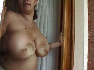 Romina Cleaning Window