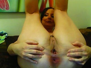 Mature mastubation on webcam
