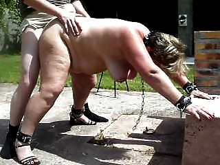 Swinger Naked rate
