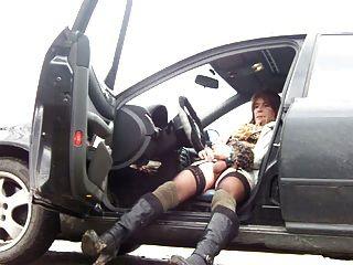 Paraja para el auto y tienen sexo en la ruta - 2 part 3