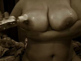 Huge Boobs Aunty Give Oil Massage