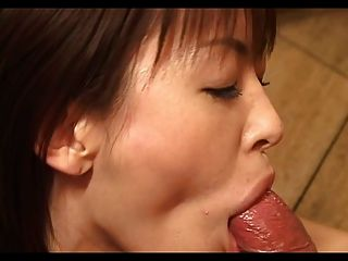 Hot Japanese Babe Gives A Fantasy Blowjob