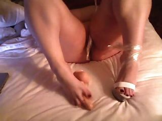 Bbw Masturbates And Play With Her Foot Toes