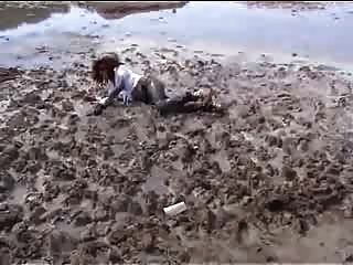 Marjorie Ist Getting Wet And Muddy In The Ocean - Outdoor