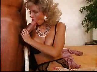 Girl eats her cunt