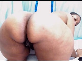 Webcambabe Shows And Spreads Her Ass