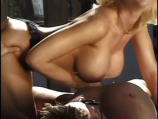 Classic cougars roxy rider and houston threesome - 2 7