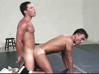 Grekko-roman Wrestling Practice