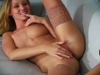Carli In Pantyhose Joi