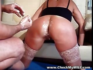 Pai comendo a filha novinha incesto com a filha