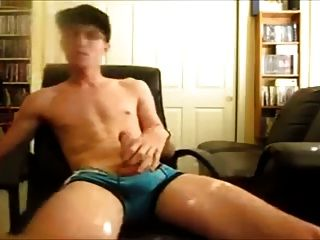 Twink Jerking And Cums