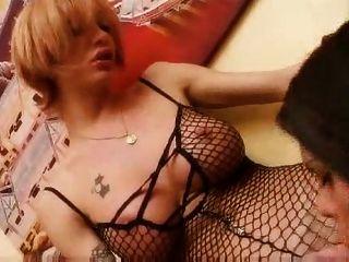 Mariana Y Gabriela, Amigas Transexuales