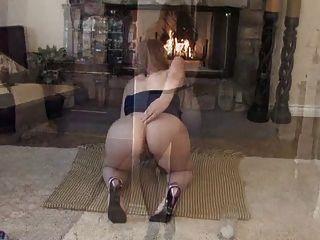 Thick Busty Mature Sexpot