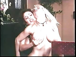 Kaitlyn Ashley And Babe Lezzie Licking