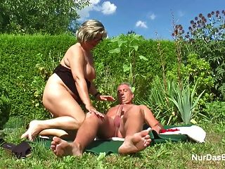 sextoy poppen outdoor