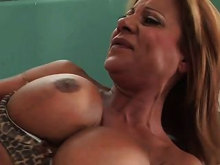 Long Legs Mature Milf With Big Tits Fucks Great