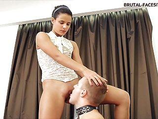 Facesitting Mistress