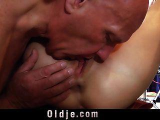Skilfull Old Man Makes Skinny Teen Trembling At Climax